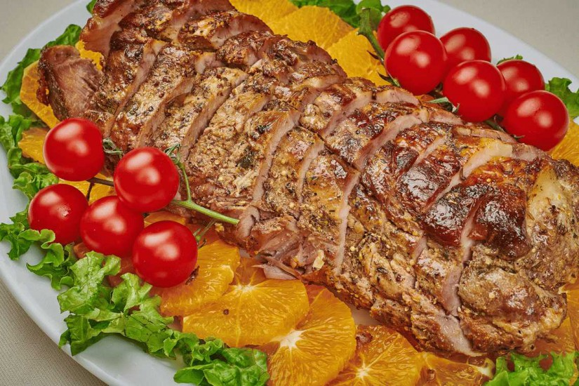 Шейка свиная запеченая под медовой глазурью 1 кг