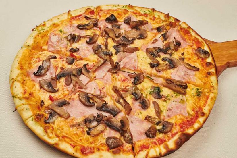 Пицца с ветчиной и грибами 450 г