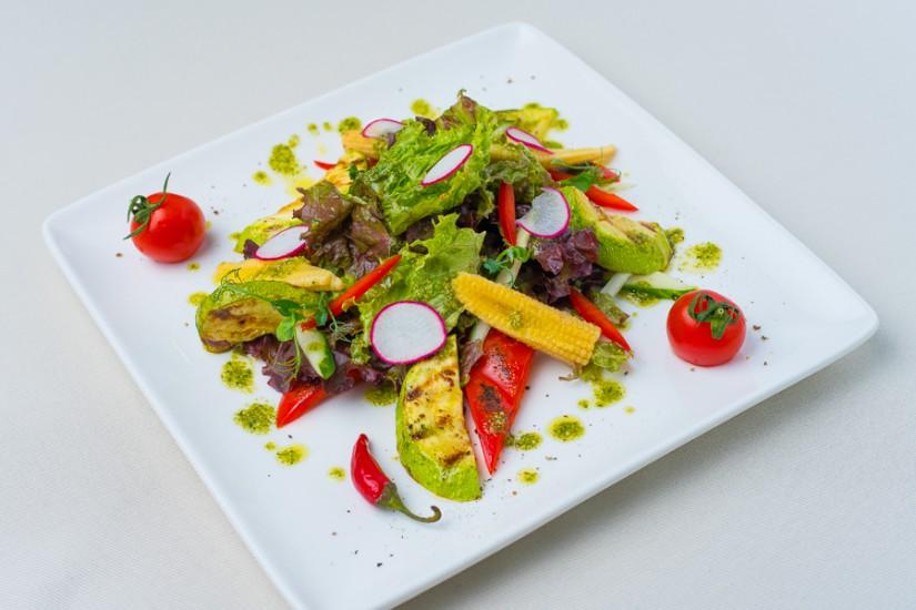 Из свежих и печеных овощей с постным Песто 200г