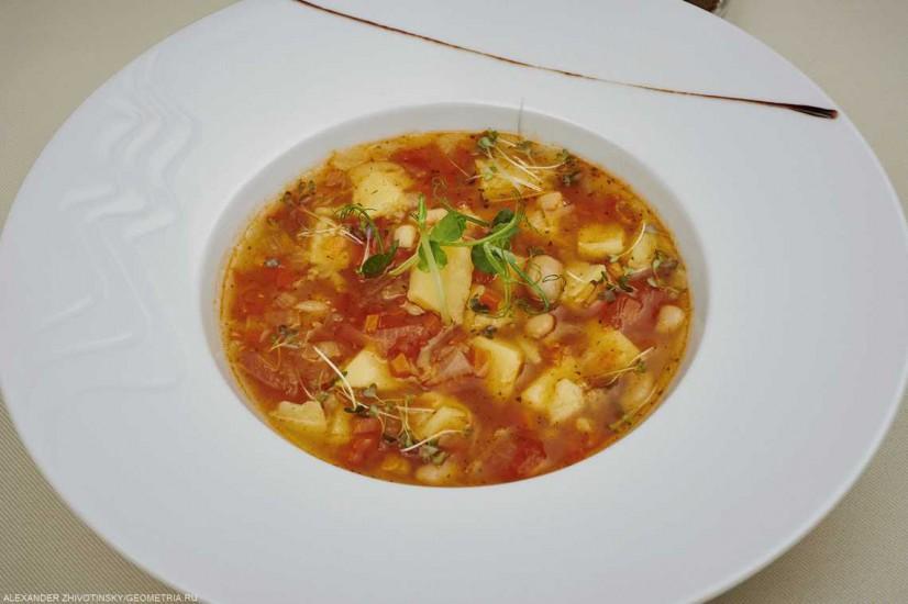 Суп из фасоли с овощами и ржаными гренками 300 г
