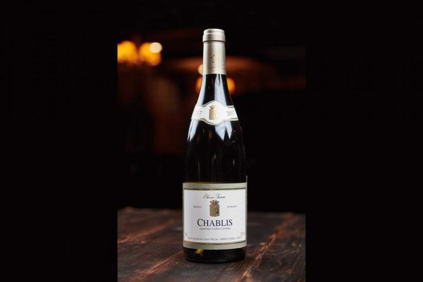 Вино Шабли белое сухое 0,75л