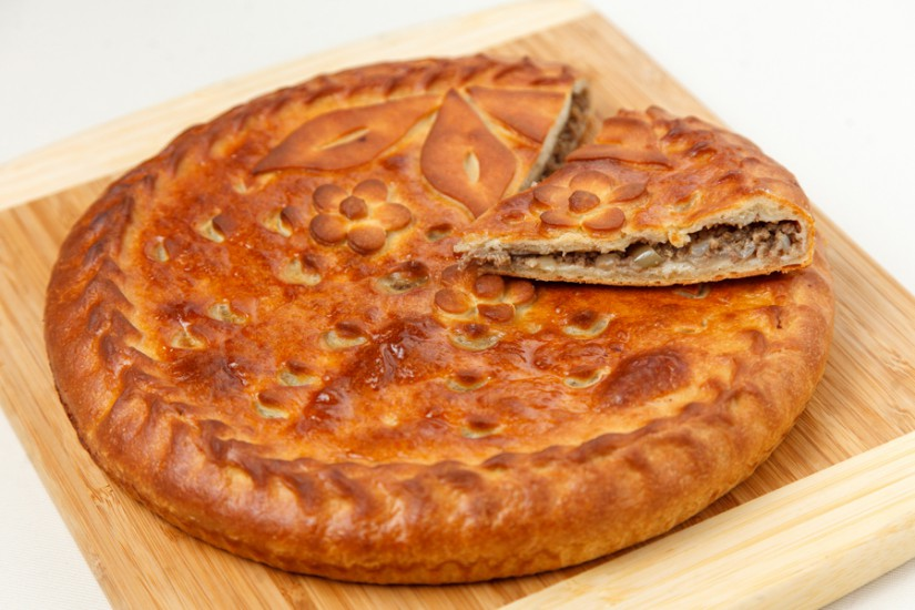 Пирог мясной с луком 1кг